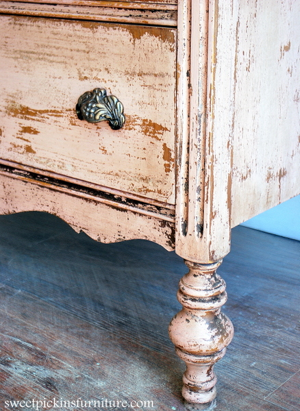 Sweet Pickins Milk Paint - Shellac trick w/milk paint