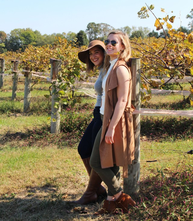 best-friends-fall-winery-outfit