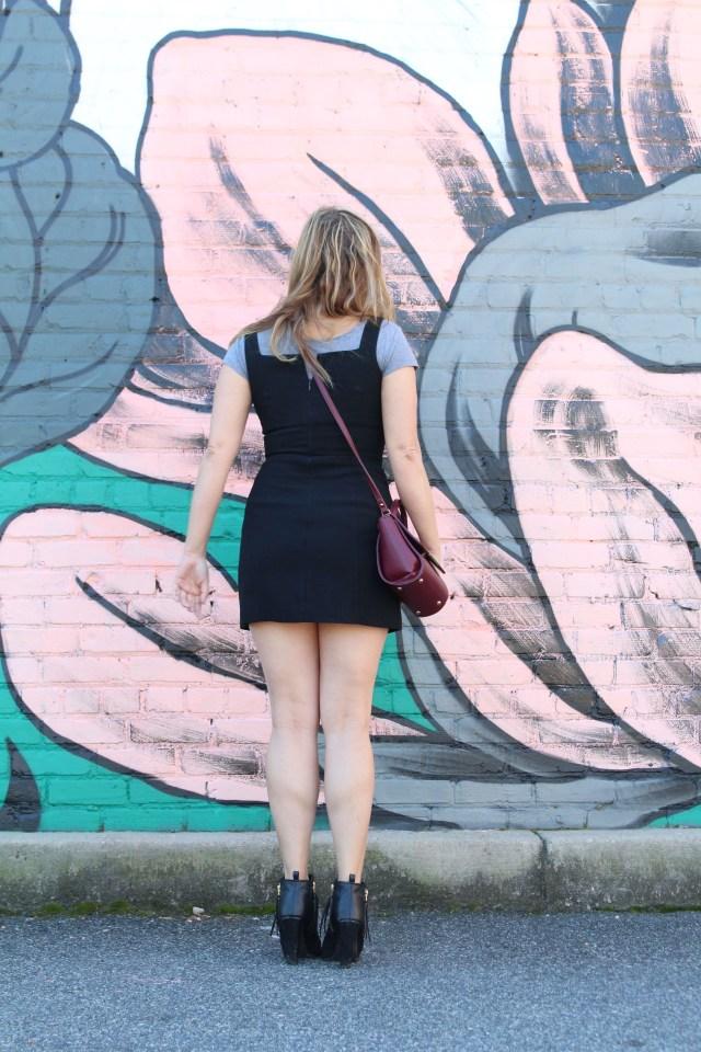 vintage-black-dress-outfit