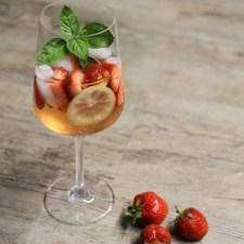 Mein Sommerdrink … Erdbeersirup mit Basilikum