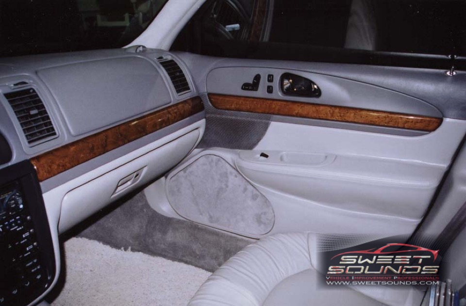 2002 Lincoln Town Car Custom Fab - Sweet Sounds