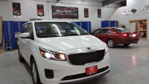 Dual Kia Sedona Overhead Monitor Systems for Mankato Dealership