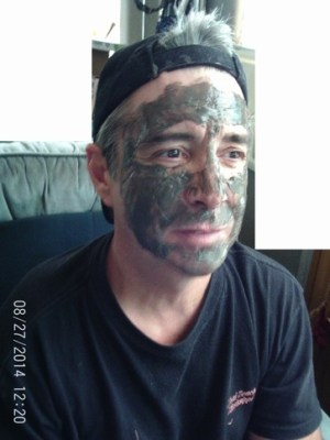 Ready for some pampering? Try VoilaVe Dead Sea Mud Facial Mask