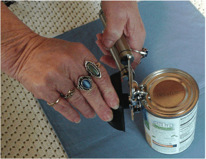 The Bru Joy Manual Can Opener is Easy to Grip and Easy to Use!