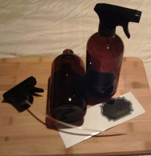 Making DIY Sea Spray and Air Freshener in #FireflyCraft Amber Glass Spray Bottles with Chalkboard Labels