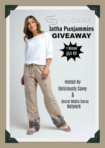 One lucky reader will #win Sudara Jatha Punjammies worth $54 when this #holiday #gift guide #giveaway ends 12/17. #Sweeps #GiftGuide #Prize #Free #Sweepstake #Winit #Christmas #GreatGiftsThatDoGood