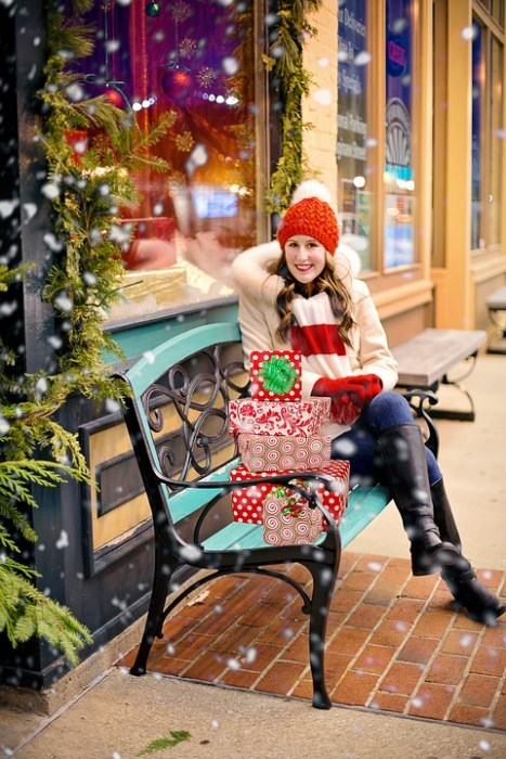 Shop smart with these 12 Financial Tips For Holiday Shopping. Plus, see how Golden State Partners Can Help Get You Out Of Debt #Holiday #Shopping #SaveMoney #HolidayShopping #Budget