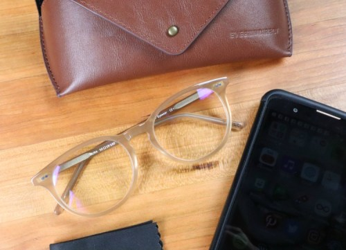 🎄 Enter and you could be 1 of 3 who will #WIN a pair of eye glasses from EyeBuyDirect when this #SMGN Holiday Gift 🎁 Guide #Giveaway ends 12/20. @SMGurusNetwork