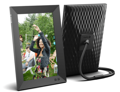 "🎄 Enter and you could #WIN a Nixplay 10.1"" Smart Photo Frame when this #SMGN Holiday Gift 🎁 Guide #Giveaway ends 12/15. @SMGurusNetwork #StayClose @nixplaycloud"