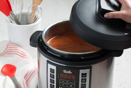 🎄 Enter and you could #WIN a Fissler Souspreme Multi Pot worth $270 when this #SMGN Holiday Gift 🎁 Guide #Giveaway ends 12/22. @SMGurusNetwork @FisslerUS
