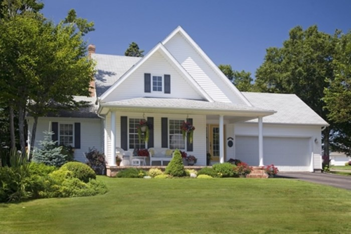 Taking these 7 steps, most of which can be done without professional installation, can help you stay cool when the heat is on! #SolarScreen #HeatAdvisory #Home