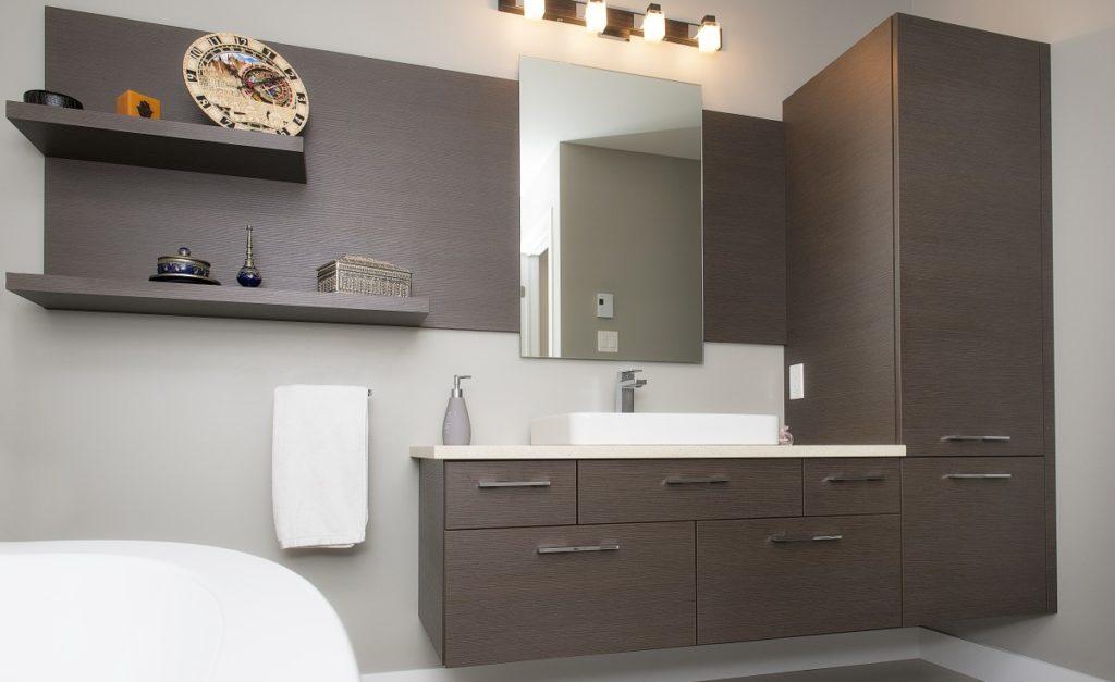 Que Faut Il Faire Pour Bien Eclairer Le Miroir De Sa Salle De Bain