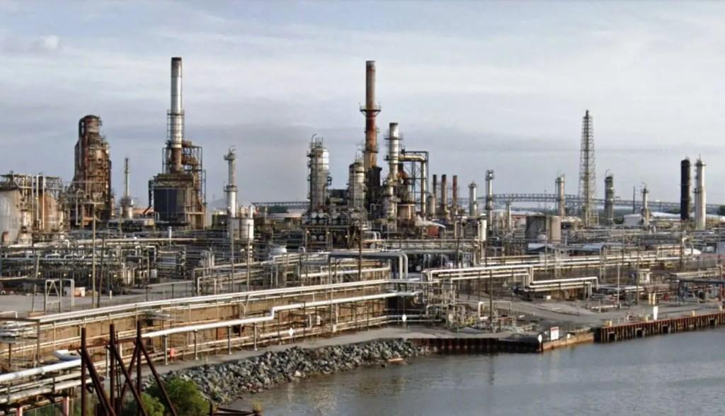 08 - Refinery