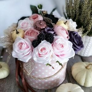 Flower box ze sztucznych kwiatów
