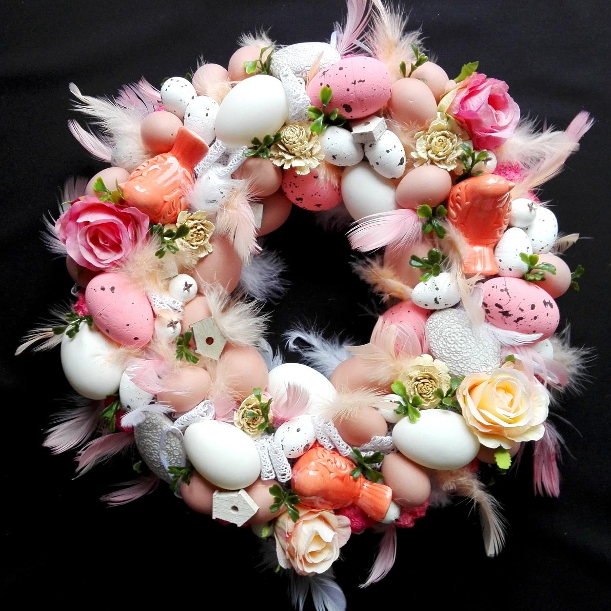 Pastelowy róż wianek Wielkanocny