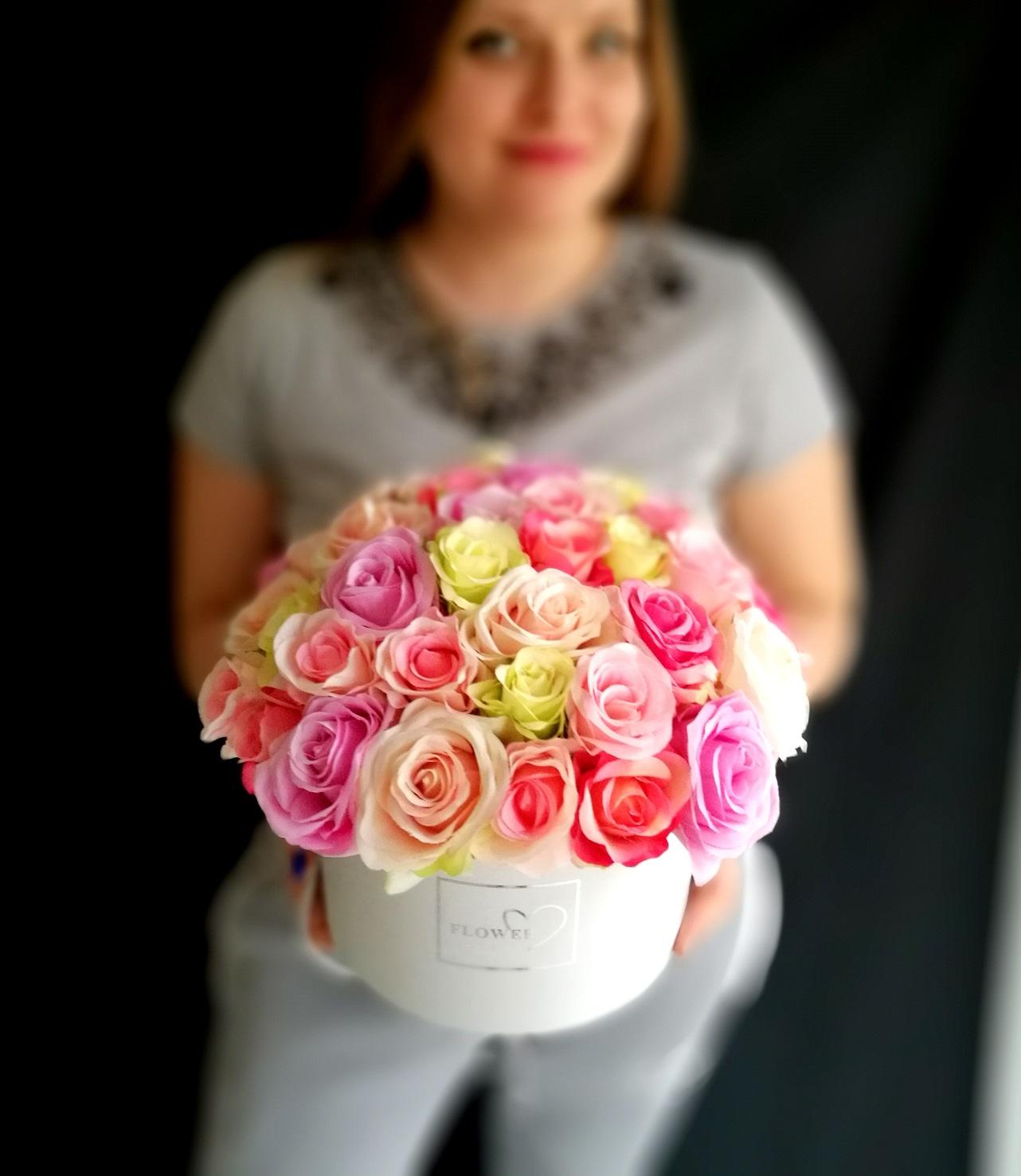 sztuczne sztuczne kwiaty na prezentkwiaty na prezent