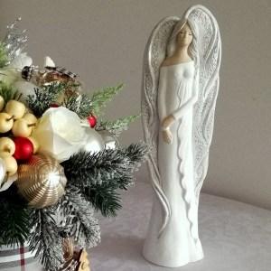 Anioł w białej szacie