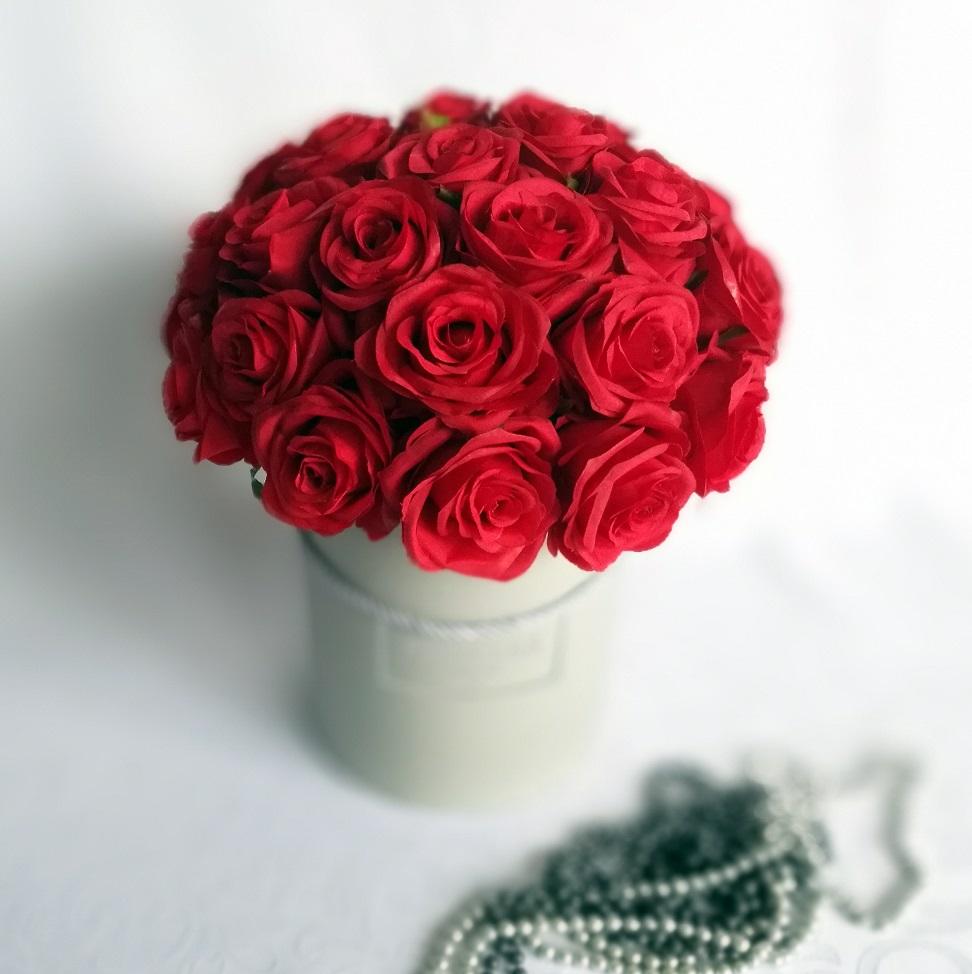 Flower box czerwone róże nr 122