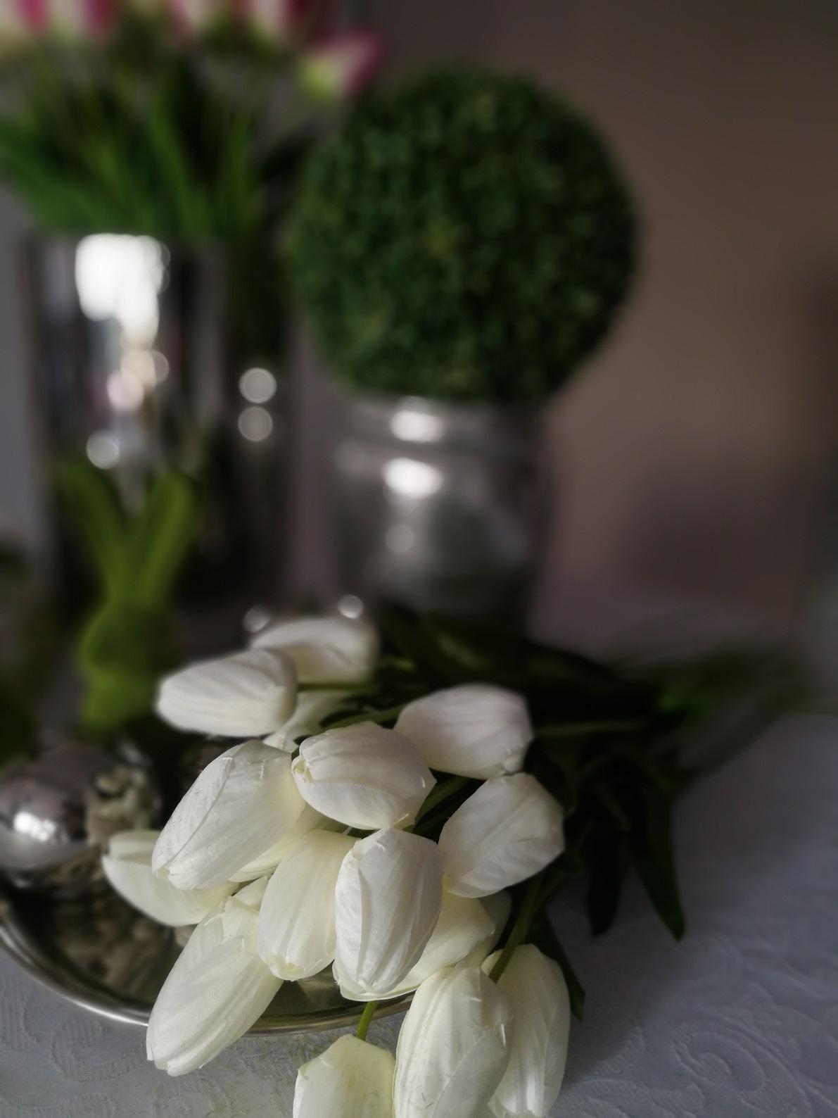 Białe tulipany bukiet 15 sztuk