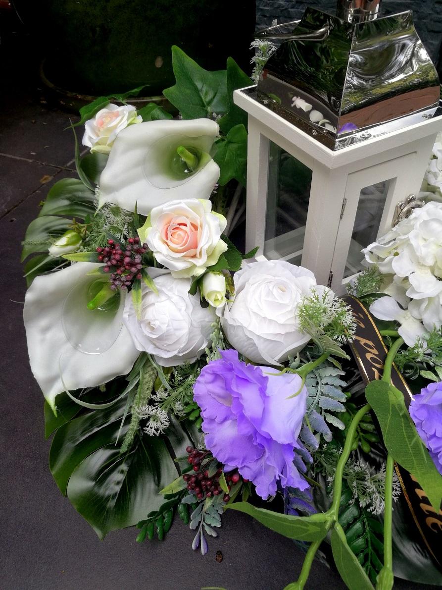 Kompozycja na cmentarz/bukiet z latarnią. 140