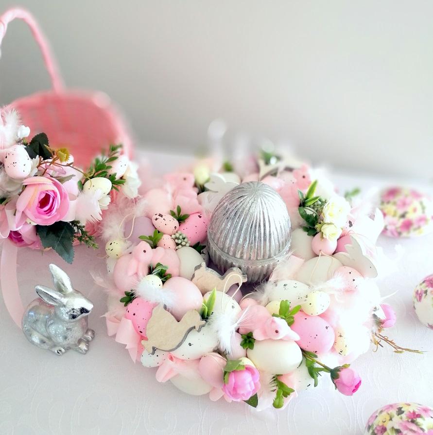 Wianek Wielkanocny z różowymi króliczkami roz. M