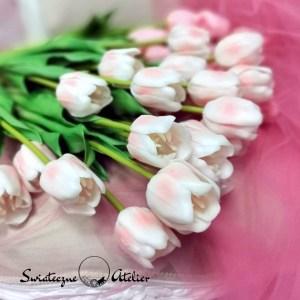 Gumowy tulipan jasny róż