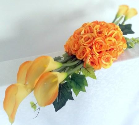 Dekoracje nagrobne ze sztucznych kwiatów