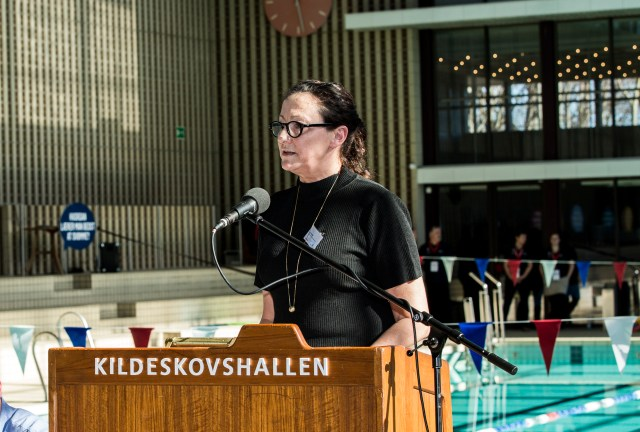 Danish Swimming Federation director, Pia Holmen, gives a speech at the launch event in Kildeskovshallen