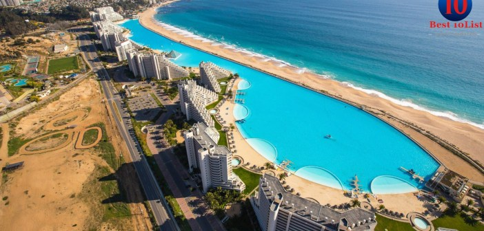 12 Most Breathtaking Swimming Pools From Around The World
