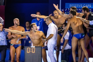 Italian players argue with referee I giocatori italiani protestano con l'arbitro ESP - ITA Spain (white caps) vs. Italy (blue caps) Barcelona 26/07/2018 Piscines Bernat Picornell Men Semifinals 33rd LEN European Water Polo Championships - Barcelona 2018 Photo Andrea Staccioli/Deepbluemedia/Insidefoto