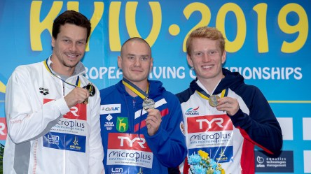 (L to R) KUZNETSOV Evgenii Russia RUS Gold medal, HAUSDING Patrick GER Germany Silver medal, HEATLY James GBR Great Britain bronze medal Kyiv, Ukraine UKR 09/08/2019 Diving 3 meters springboard men podium Len European Diving Championships 2019 Sport Arena Liko Kyiv, Ukraine Photo © Giorgio Scala / Deepbluemedia / Insidefoto