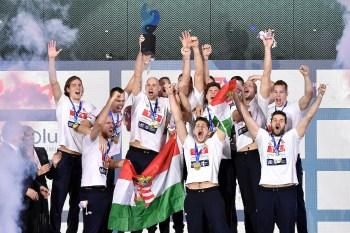 HUNGARY HUN players celebrate Gold MEdal Budapest 26/01/2020 Duna Arena Awards Ceremony Men XXXIV LEN European Water Polo Championships 2020 Photo © Andrea Staccioli / Deepbluemedia / Insidefoto