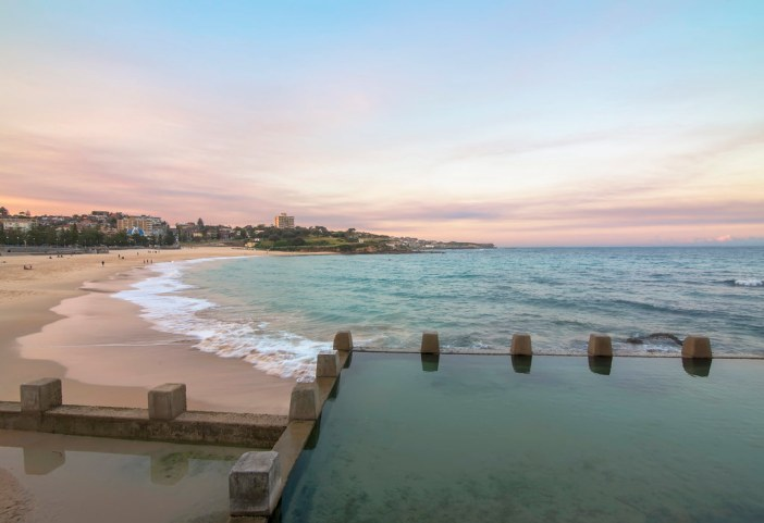 swimming pool australia photo