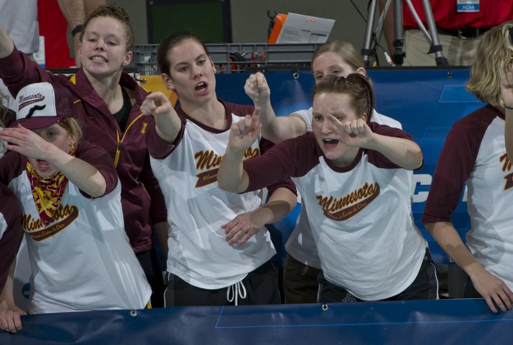 Minnesota Team 2011 W NCAA 1353