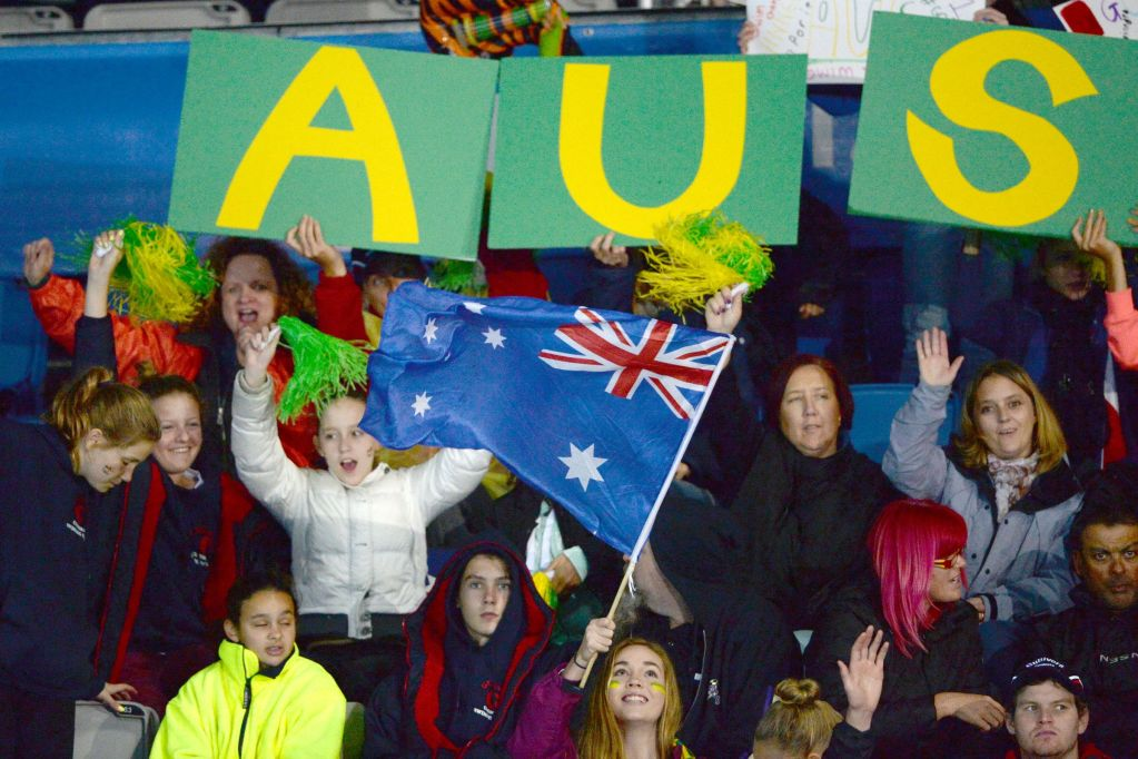 Australian Fans Pan Pacifics