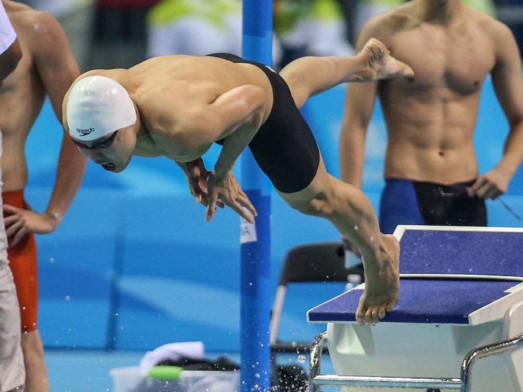 (140817) -- Nanjing,Aug 17,2014 (Xinhua) -- Yu Hexin of China competes in the final of Mixed 4 x 100m Freestyle Relay of Nanjing 2014 Youth Olympic Games in Nanjing, capital of east China?s Jiangsu Province, on Aug. 17, 2014.