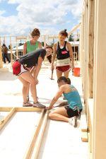 09-27-2014 MWSD Habitat for Humanity Team Photo by Nicole Rodriguez