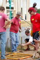 09-27-2014 MWSD Habitat for Humanity Team Peter Photo by Nicole Rodriguez