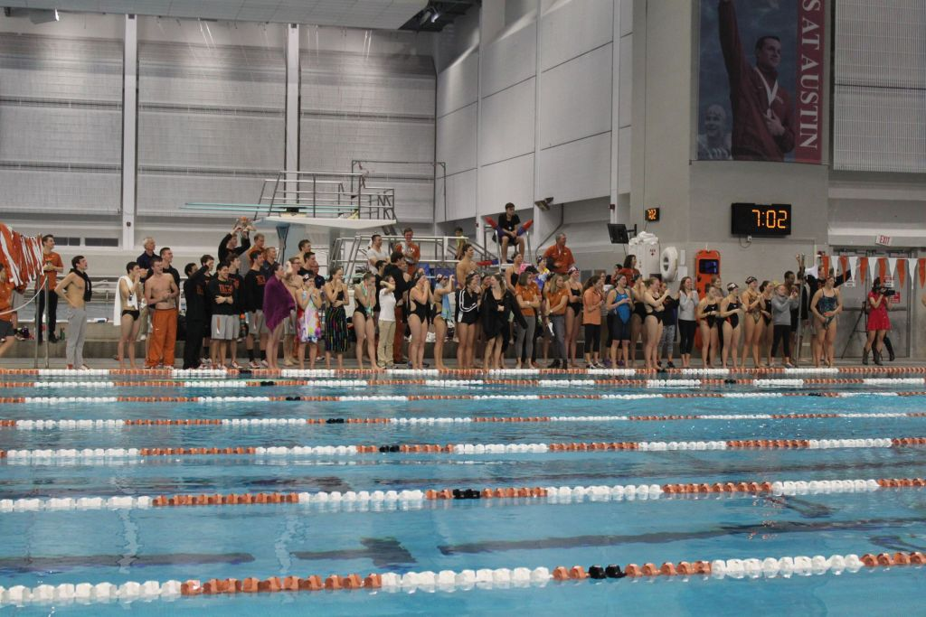 texas-longhorns-swimming--diving_24793433121_o