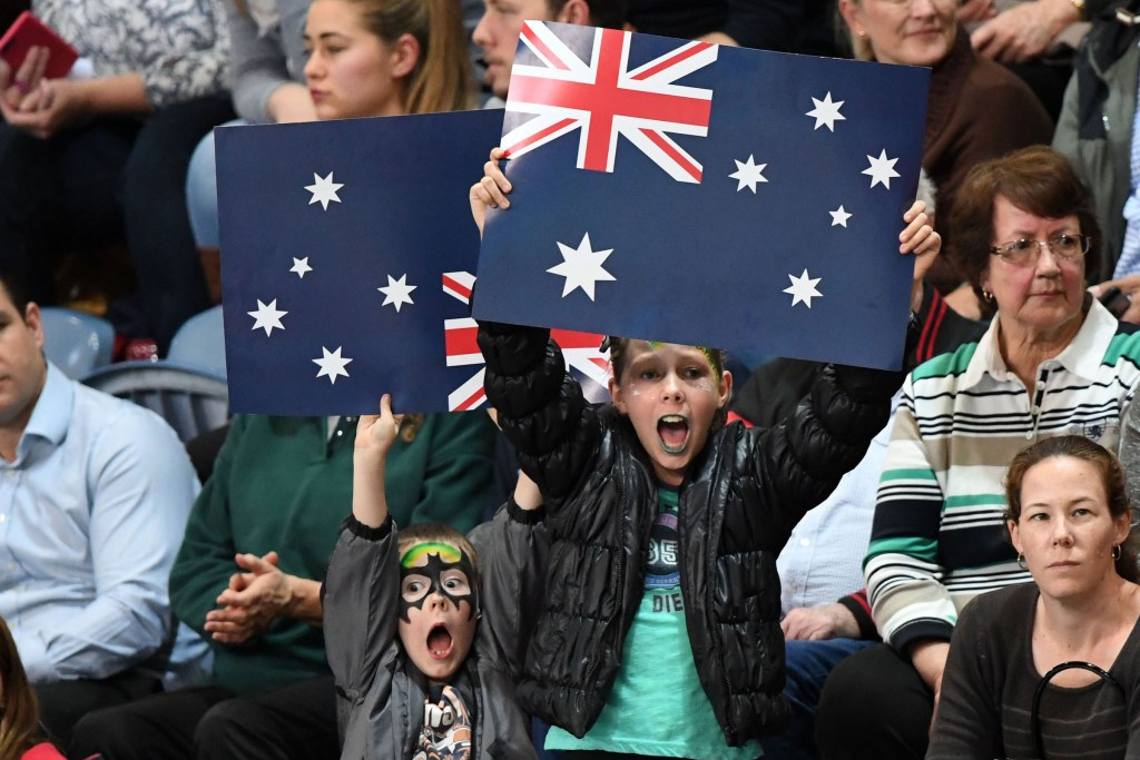 australia-fans-flags
