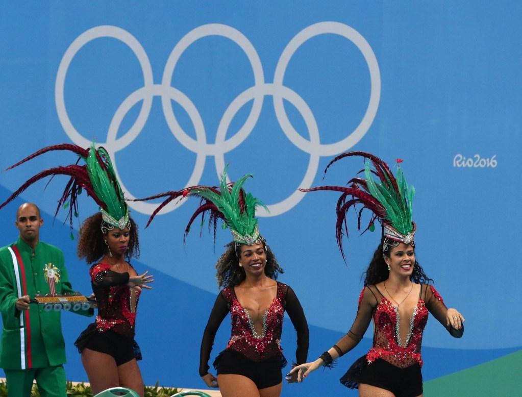 rio-performers-dancers