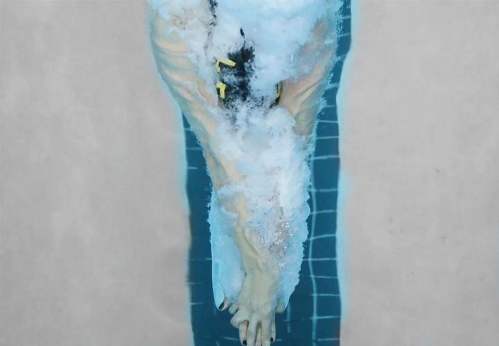 sec-swimmer-streamline-morning-splash