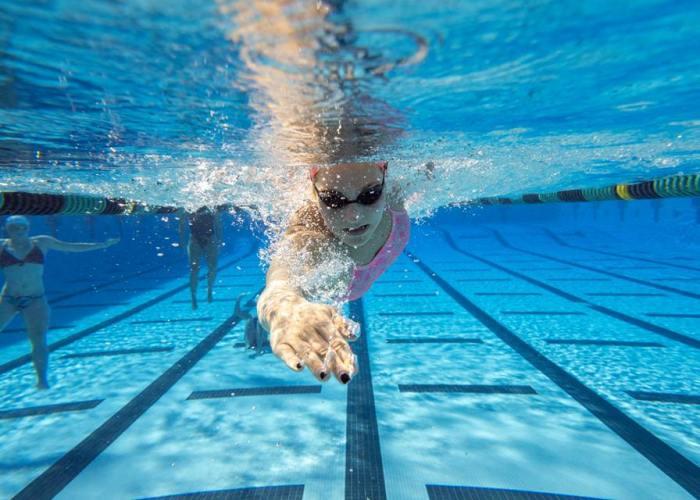 UH underwater freestyle