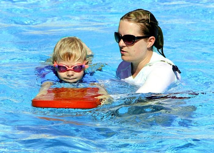 swim-lesson-kick-board