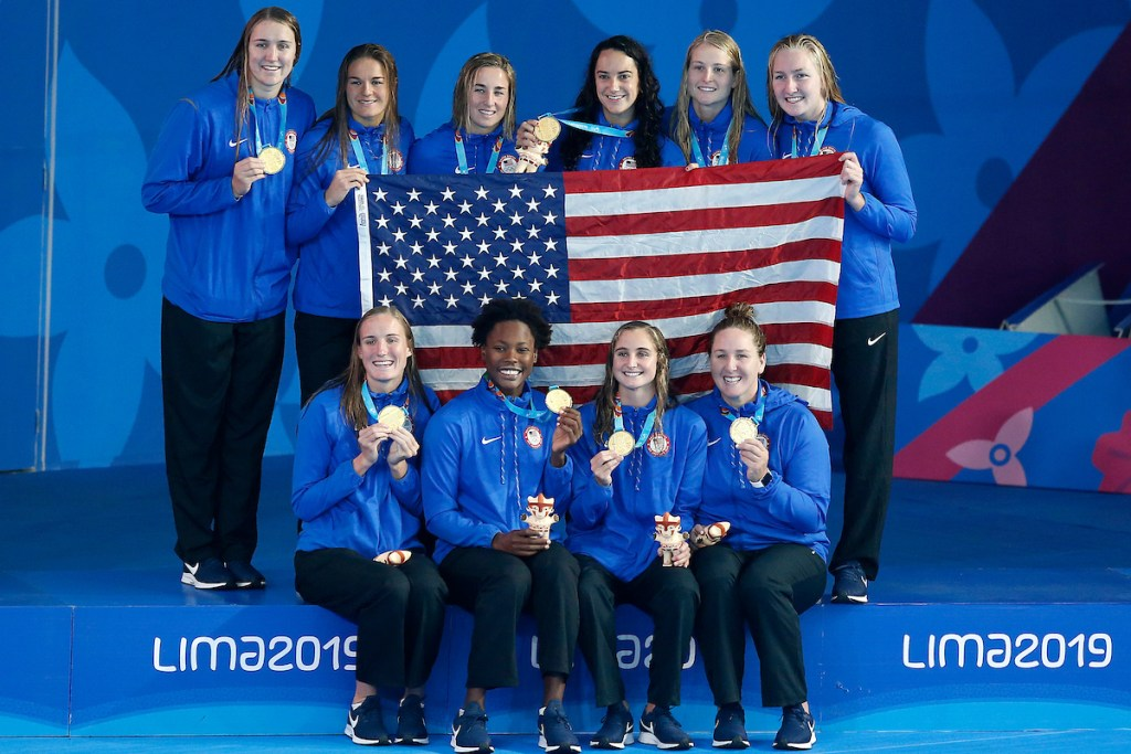 Lima, Saturday August 10, 2019 - USA 's players celebrate after being awarded with the gold medal in Water Polo at the Complejo Deportivo Villa Maria del Triunfo at the Pan American Games Lima 2019. Enrique Cuneo / Lima 2019 Mandatory credits: Lima 2019 ** NO SALES ** NO ARCHIVES **