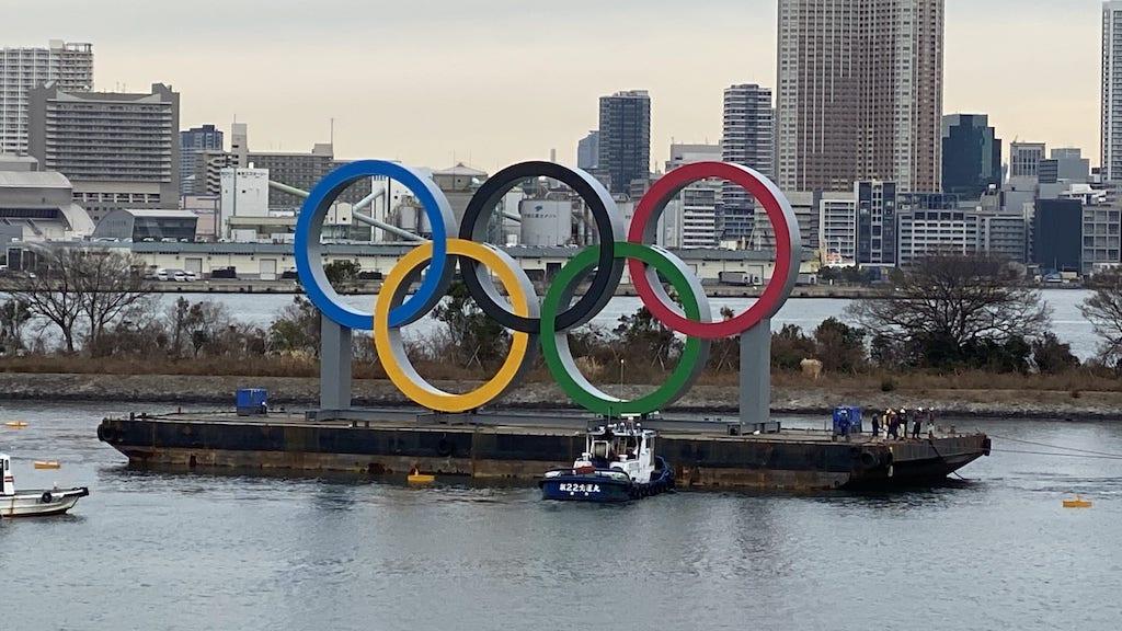 olympic-rings-tokyo-bayTokyo20-olympics20-thomas-bach