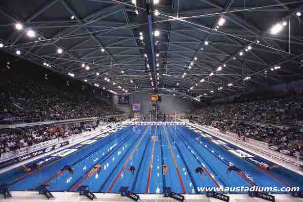 18 May 2000: General view of a race start during the Telstra 2000 Olympic Selection Trials at the Sydney International Aquatic Centre, Homebush, Sydney, Australia. Mandatory Credit: Nick Wilson/ALLSPORT