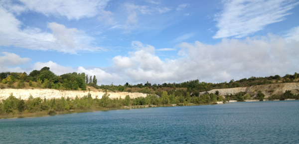 Svøm ud i det fri: Karlstrup kalkgrav