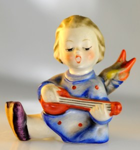 Banjo Betty, Made in Japan, a copycat of Joyful, a Hummel and the February Trinket Giveaway