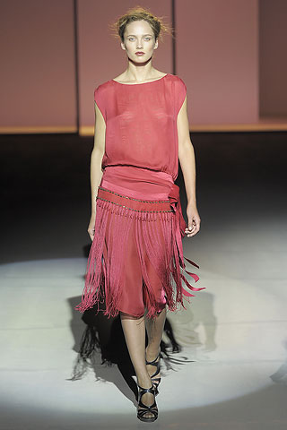 1920s Inspired Gowns In Alberta Ferretti Spring Summer